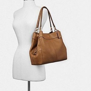 🎁 Coach Lexy shoulder bag in Cognac NWT